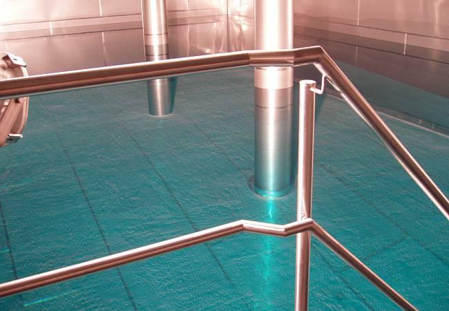 neue Wasserkammer mit Edelstahlauskleidung